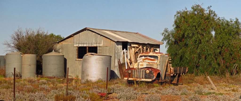 Pindan Tours - Kingoonya Shed