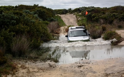 Off Road Driving Deep Water Crossing